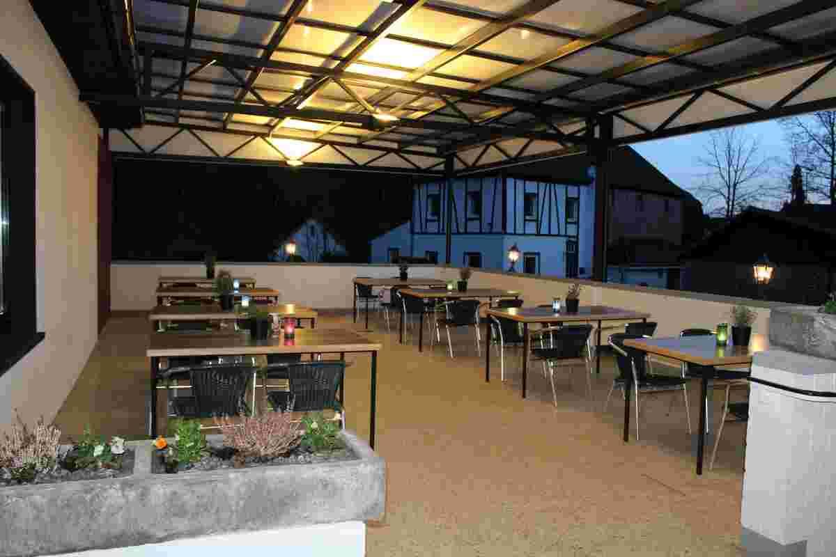 Außenbereich im Restaurant, Restaurant mit Terrasse, Engelskirchen und Umgebung