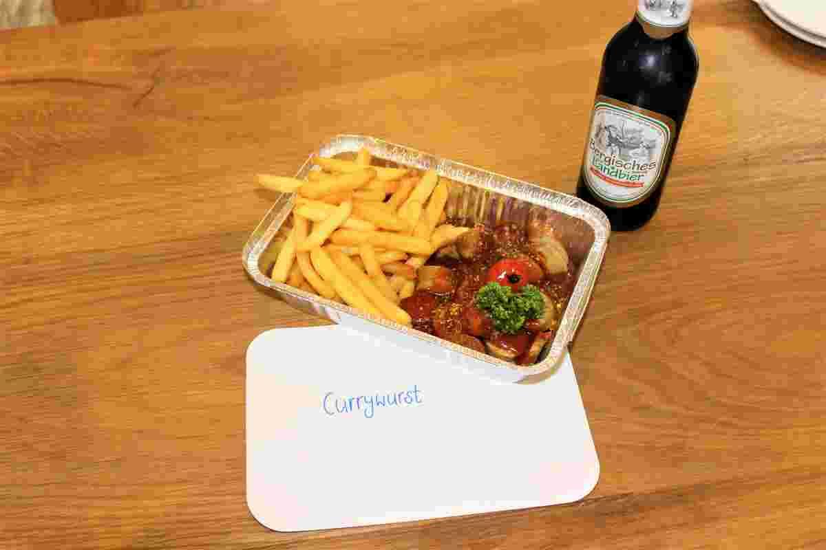 Curry Wurst To Go, Außer-Haus-Service, Take Away, Restaurant Eimermacher, Overath und Umgebung